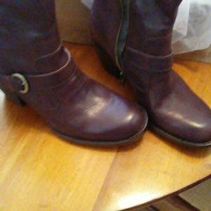 NWT Born Maleri Boots